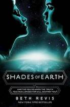 Shades of Earth - Beth Revis (ISBN 9780141333700)