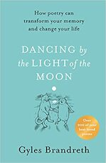 Dancing by the light of the moon - Gyles Brandreth (ISBN 9780241397923)