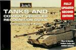 Jane's Tanks and Combat Vehicles Recognition Guide - Christopher F. Foss (ISBN 9780004724522)