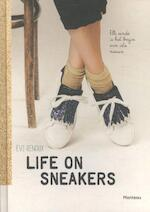 Life on sneakers - Evi Renaux (ISBN 9789022332368)