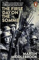 First Day on the Somme - Martin Middlebrook (ISBN 9780141981604)
