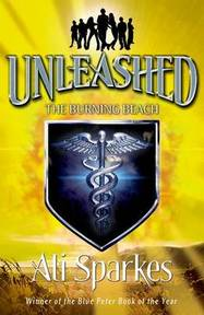 Unleashed 5: The Burning Beach - (ISBN 9780192756107)