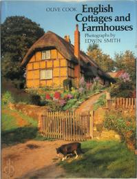 English Cottages and Farmhouses - Olive Cook, Edwin Smith